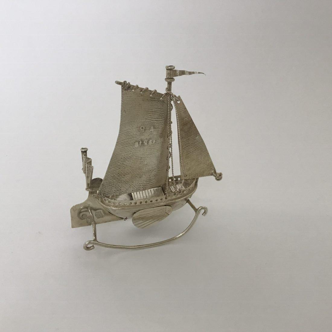 Zilveren tweemaster in miniatuur vorm, J. Verhoogt, Hoorn, 1894-1936