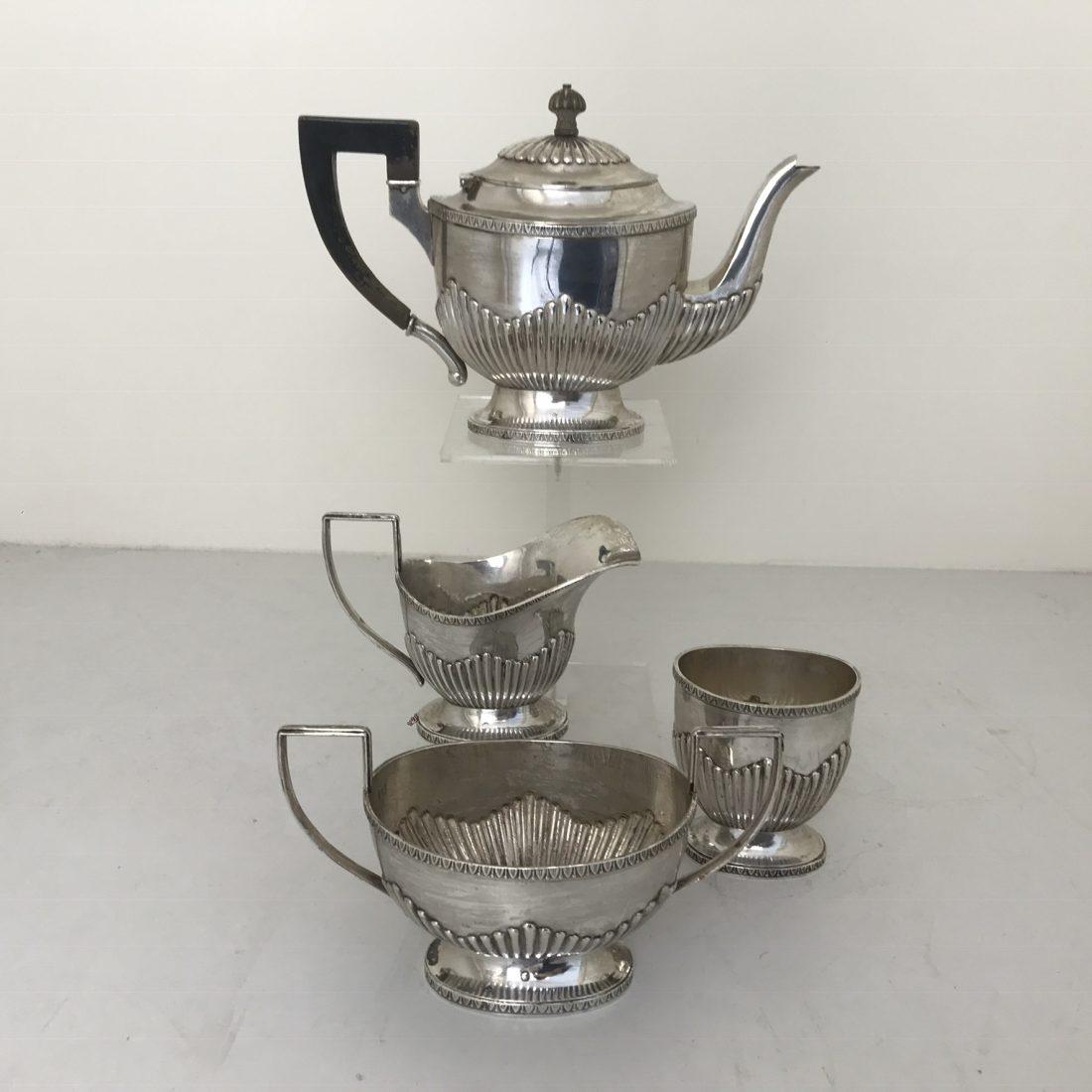 Een vier delig zilveren koffie servies, J.A.A. Gerritsen te Zeist, 1920