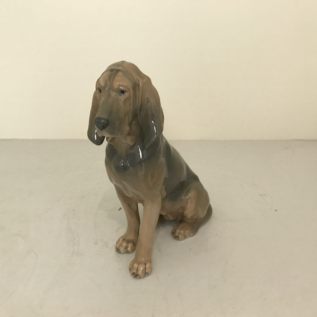 Royal Copenhagen porseleinen beeld van een hond
