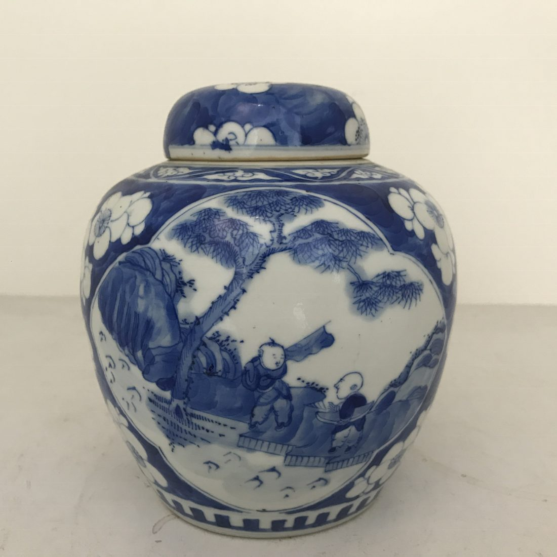 Blauw/wit porseleinen gemberpot met deksel, China, 19e eeuw