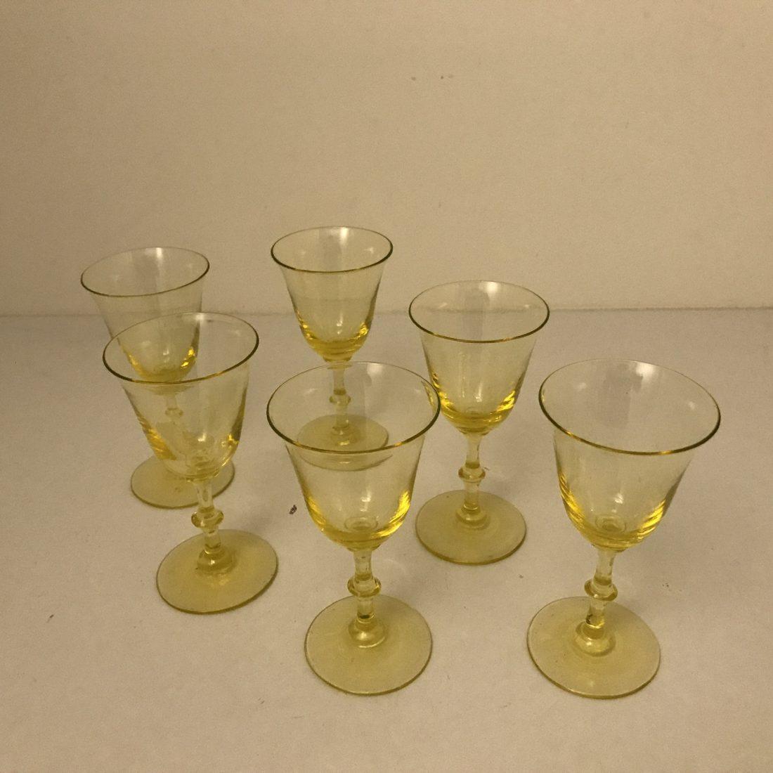 Geel/groenen kristallen wijnglazen, Nederland, ca. 1920