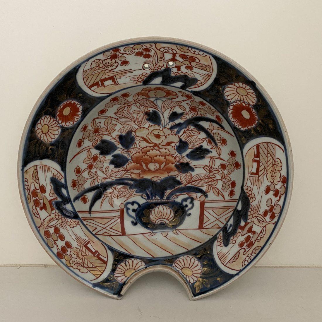 Grote Imari porseleinen scheerbekken, Japan, 18e eeuw