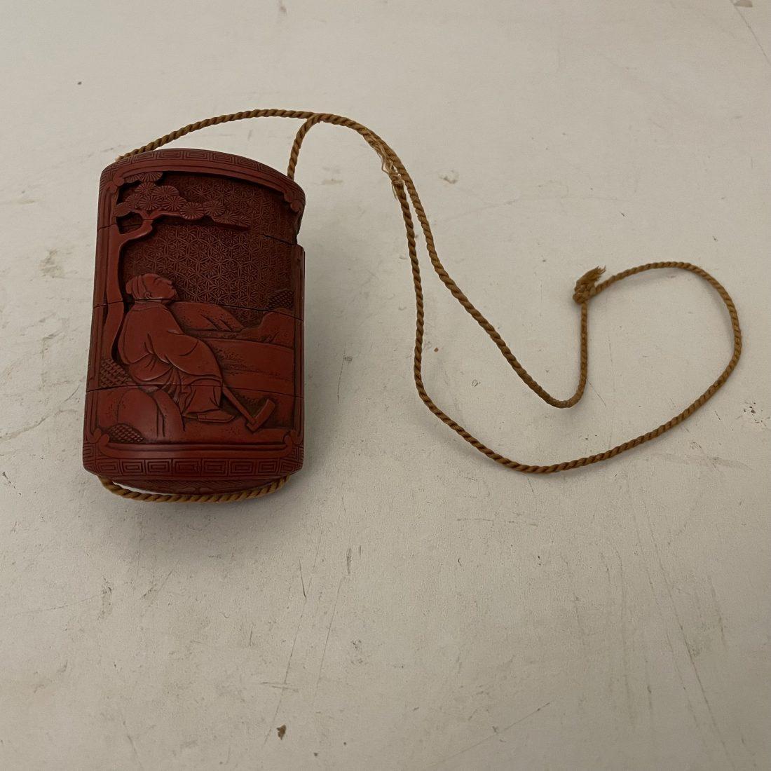 Rood bewerkte Inro, Japan, 19e eeuw